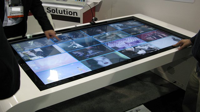 Three challenges for 4K interactive digital signage